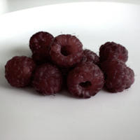 5 Health Benefits of Raspberries (Black and Red Varieties)