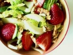 Strawberries and fennel salad