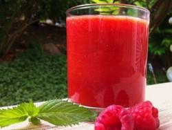 Blood orange and raspberry smoothie