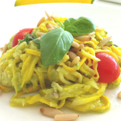 Recipe: Zucchini Noodles with Tomatoes and Pinenuts