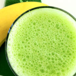 Green Smoothie with Banana and Romaine