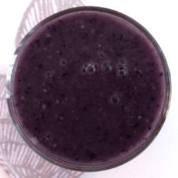 Blueberry Spinach Chia Smoothie