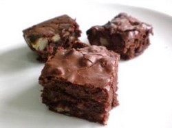 Whole Wheat Brownies | Healthy Recipes by HealWithFood.org