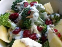 Recipe for Broccoli Salad with Apples and Cranberries